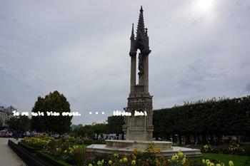 ノートルダム大聖堂東側(3).jpg